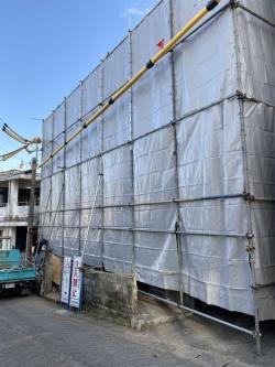 解体工事の際は粉塵防止の措置を講じます。